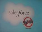 Salesforce.com will den Anwenderunternehmen Software nach Bedarf aus dem Internet zur Verfügung stellen, Installationen bei den Kunden seien unnötig. Das entsprechende Logo war auf der Dreamforce häufig zu sehen.