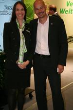 Christiane Kohlmann und Sven Glatter (Comteam) am Stand von ElectronicPartner