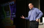 Auch Gates Nachfolger als Microsoft-Chef, Steve Ballmer, ließ die vielen üblichen Streitigkeiten und Spitzen zwischen den beiden Unternehmen beiseite und erklärte sein »tiefstes Mitgefühl über den Tod von Steve Jobs, einem der Gründer unserer Industr