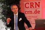SAP-CTO Gordon Mühl ließ in seinem Vortrag auf dem ITK-Spitzentreffen der CRN zum Thema »Designed Thinking« die Top-Manager basteln (Bild: CRN)