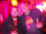 Boris Hajek von Losstech mit Oliver Gorges von Cop Software im diffusen Partylicht (Foto: CRN)