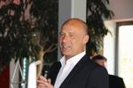 OKI Deutschland-Chef Dietrich Büchner begrüßte zusammen mit seinem Team die erfolgreichen Händler in Neuss bei Düsseldorf (Foto: OKI)
