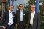 Ingmar Badura (Tech Data), Hans Fengel (IBM) und Andreas Weber (Tech Data (v. li.) freuen sich auf frische Brezen im CRN-Biergarten (Foto: CRN)