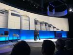 Der Knaller zum Auftakt: HP-Chef Dion Weisler gibt die Übernahme der Samsung-Druckersparte bekannt und zeigt auch gleich das neue Portfolio mit A3-Multifunktionsgeräten (Bild: CRN)