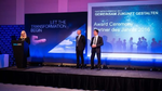 Zur Verleihung der Partner Awards war neben Dell EMC-Chefin Doris Albiez und Channelchef Robert Laurim eigens EMEA Channel-Chef Michael Collins (Mitte) angereist (Bild: Dell EMC)