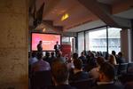 Chris Helbing und Jörg Nüsken informieren über die OfficeMaster Gateways in der All-IP-Welt. Foto: Ferrari electronic