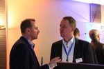 Tony Matt von Toshiba und Stefan Knobl von Ingram Micro im Gespräch (Foto: Ingram Micro)
