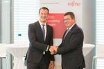 Fujitsu DACH-Chef Rolf Werner (links) und der bayerische Wirtschaftsminister Franz-Josef Pschierer bei der Eröffnung des Digital Transformation Centers (Bild: Fujitsu)