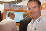 Wünscht sich für Systemhaus- und Fachhandelsbesucher mehr räumliche Fokussierung, so wie im Planet Reseller in den Vorjahren der CEBIT. Andreas Bortoli von Neumeier auf dem Acmeo-Stand in Halle 13.