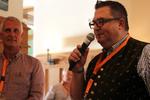 Die Geschäftsführer Georg Thoma und Thomas Hruby (re.) stimmten die Besucher einmal mehr auf ein Sysob-Gipfeltreffen ein (Bild: Sysob)