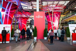 Fujitsus großer Kunden- und Partner-Event braucht viel Platz, denn auch dieses Jahr wurden wieder um die 10.000 Besucher erwartet (Bild: Fujitsu)