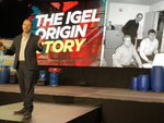 Jed Ayres, Igels globaler Chief Marketing Officer, erinnert an die drei Igel-Gründer (Bild: CRN)