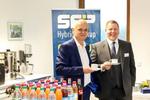 Harmut Birke von SEP mit Patric Stephan von eSell (Foto: SEP)