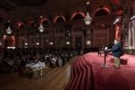 Mark J. Barrenchea (CEO &CTO von Opentext) heißt alle Teilnehmer der Enterprise World Europe in Wien herzlichst willkommen