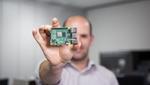 Der neue »Raspberry Pi 4« ist die bisher leistungsfähigste  Version des beliebten Bastelrechners (Bild: Raspberry Pi Foundation)
