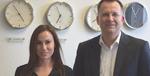 Konzern spielen gibts nicht mehr: Weißhaar überträgt jungen Talenten viel Verantwortung wie Kommunikationschefin Lisa Skelnik.